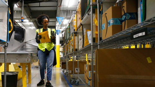 Logistics: Amazon opens 100k part-time and full-time warehouse positions