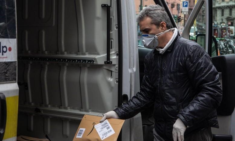 E-commerce: Amazon changes delivery practices amidst COVID-19 crisis