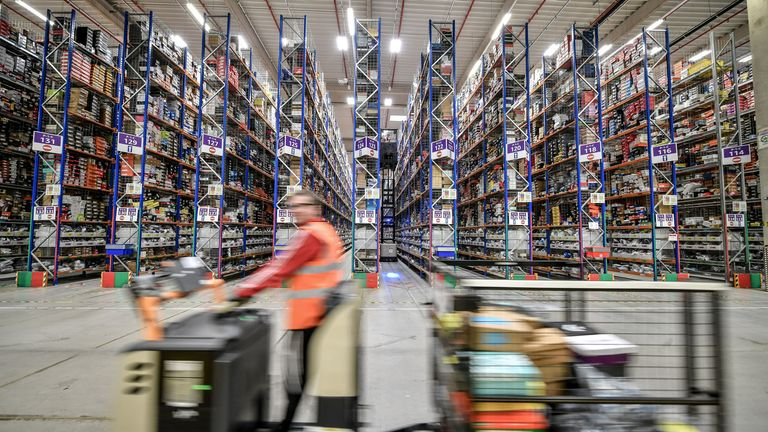 E-commerce: Amazon to add 10,000 to UK workforce this year